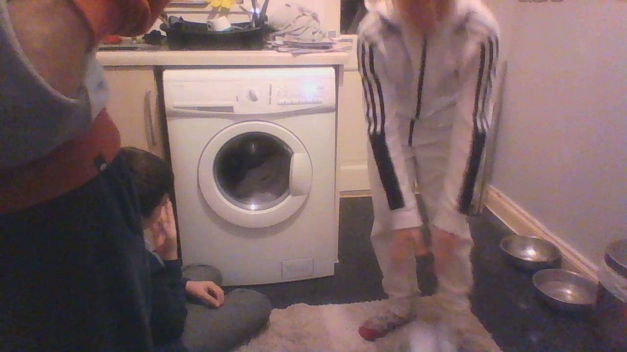 5eab5719f0a john lewis washing machine at my dads - YouTube