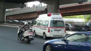 特定救急現場に向かう、神戸市中央市民病院ドクターカーです。 災害現場...