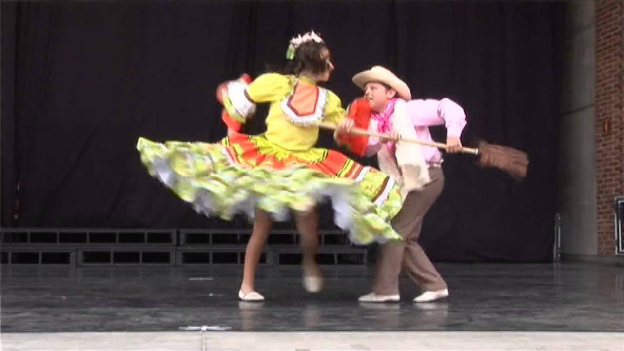 Baile Bravo (Antioquia Colombia)