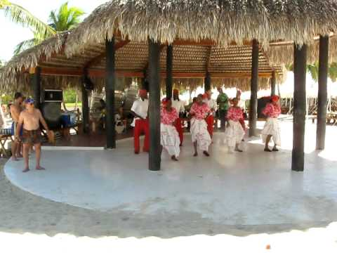 Dominican Republic tourist dance