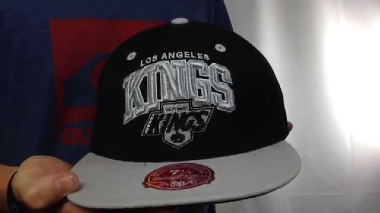 9129da098 Kings 'NHL 2T TEAM-ARCH' Black-Grey Fitted Hat by Mitchell & Ness ...