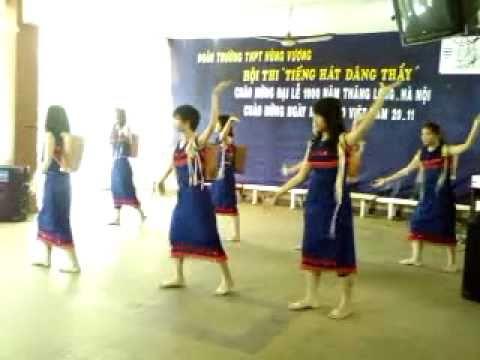 múa truyền thống - 10A1 Hùng Vương [NK:2010-2011]