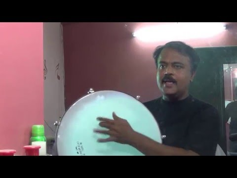 Koodaiyila karuvadu Oru Thalai Raagam :)