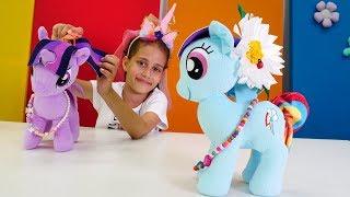 Poniler baloya hazırlanıyorlar. My Little Pony oyunları.