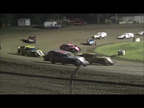 34 Raceway Aug 27th 2016 - dirt track racing video image