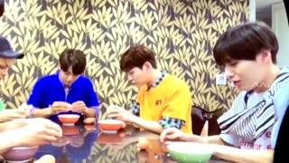 SHINee VCR Playing Game on Seek (fancam)