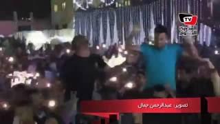 على الأكتاف.. تريزيجيه وعاشور يرقصون في فرح «سعد سمير»