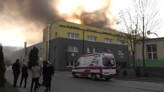 Płonie hala w Świebodzicach (VIDEO)