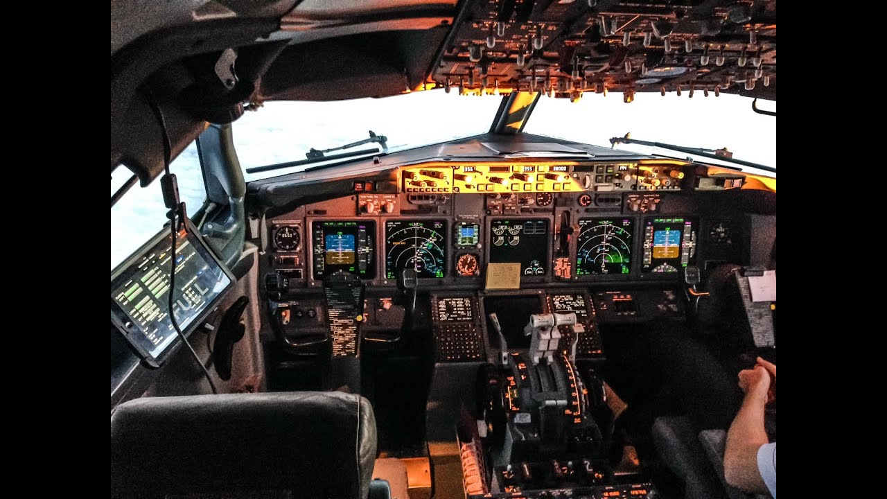 become an aircraft pilot in america Start your aviation career by undertaking pilot training with l3 airline academy we have many career programs available as well as airline partnerships.