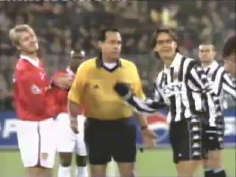 Do uong Pepsi trong tran dau Manchester United va Juventus