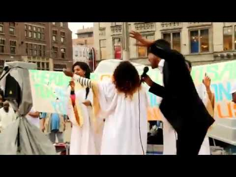 Yohannes Girma in Amsterdam (Holland)- Open air at Dam square