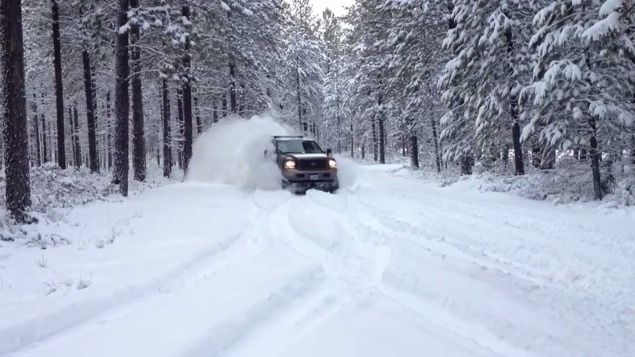 Drifting - 475 Hp Ford Excursion wipeout in the snow - YouTube