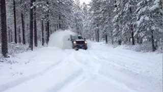 Drifting - 475 Hp Ford Excursion wipeout in the snow