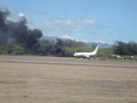 Boeing 737 on fire in Maui, Hawaii