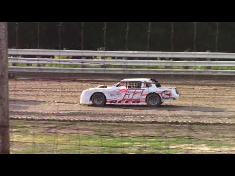 Hummingbird Speedway (6-17-17): Sunny 106.5 FM Pure Stock Heat Race #1