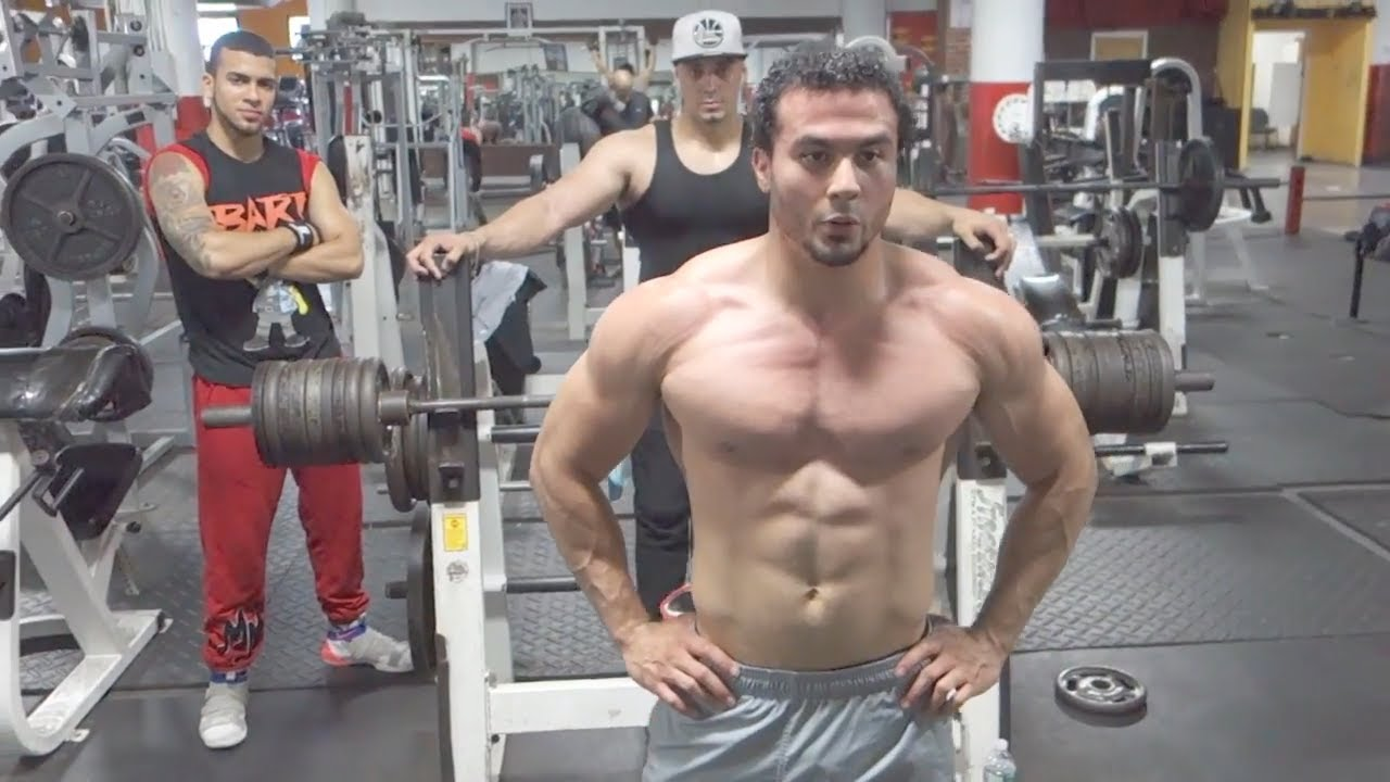 Eric Rivera Does Mike Rashid S 200 Repetitions On The Bench Press Uncut Youtube