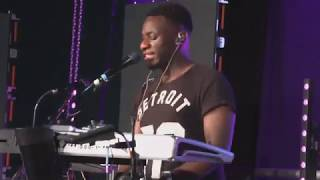 Afriy David Uk' leads  powerful praise & performs Tim Godfrey's Onaga at Breakout 19