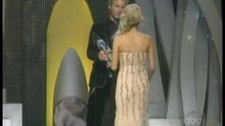carrie underwood country music awards cmas 2006 2007