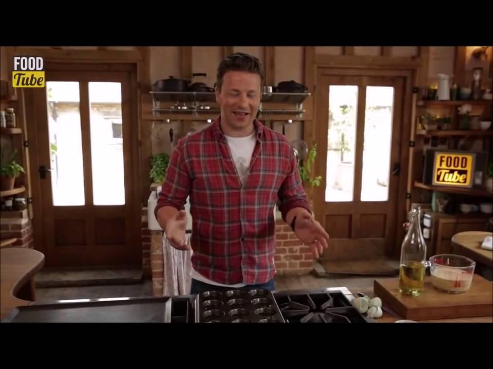 Jamie Oliver Yorkshire Pudding - YouTube