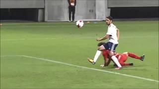 左サイドを抜け出した味方選手からのラストパスをウーゴ ヴィエイラ(横...