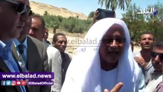 مزارعو قرية قوته بالفيوم يعترضون موكب وزيرى الري المصري والكيني .. فيديو وصور