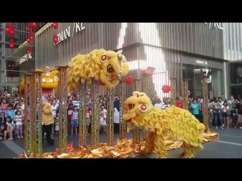 2019 CNY High pole Lion Dance performance by Kun Seng Keng @ Pavilion Kuala Lumpur