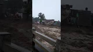 Flashflood  in Himachal's McLeodganj washes away cars l Part-2