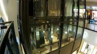 "Parkour & Freerunning at ""Mall of America"""