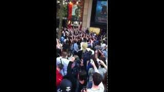 Arrivée Ibrahimovic au PSG - Boutique PSG Champs-Elysées (Ambiance)