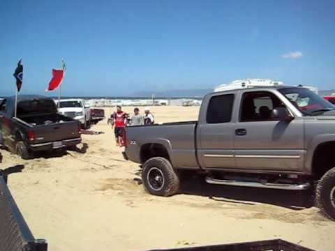 pismo chevy 1500 pulling out a ford f250 hd youtube. Black Bedroom Furniture Sets. Home Design Ideas