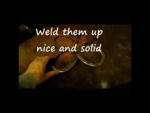 How to Weld a Horseshoe Decorative Metal Yard Art Flower