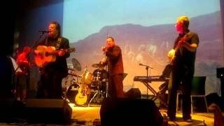 The Cutter - Donnie Munro ( ex Runrig ) - Portree 18th February 2011