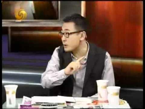 眷村的故事王伟忠_锵锵三人行2010-12-06 A:伟忠哥来啦,台湾的眷村与大陆文化 - YouTube