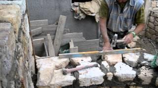 Верхняя облицовка каменного забора (процесс и окончание работы)