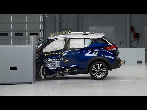2018 Nissan Kicks Driver-side Small Overlap IIHS Crash Test