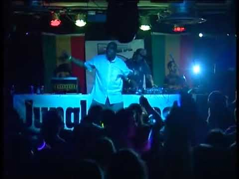 Bryan G (MC's G.T & Bomber) performing@Jungle Splash@Brixton Jamm