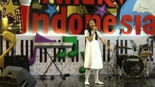 Akilah sings Indonesia Jaya