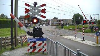Spoorwegovergang Bunde // Dutch railroad crossing