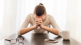 Как стресс влияет на месячные? Сбой цикла