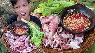 Primitive Technology - Awesome cooking squid and eating delicious Part 019