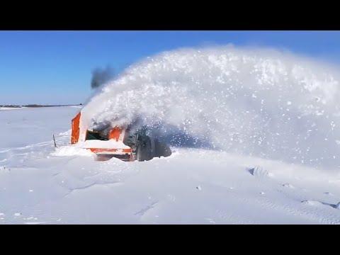 Снегоуборщик СУ-2,5 или Кировец?
