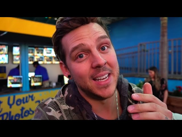 CASPIAN KISSED EVERLEIGH ON THE FERRIS WHEEL!! (Cutest Crush Ever) | Slyfox Family