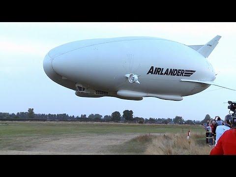Dirigible considerado la mayor aeronave en el mundo voló por primera vez en Londres