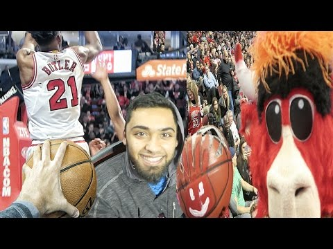 BENNY THE BULL STOLE MY CAMERA! DeMarcus Cousins Going Off! COURTSIDE Experience at The Bulls Game!
