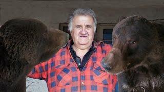 Emin dva medvjeda hrani 15 godina