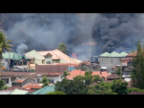 Philippines steps up bombing of Islamist militants in south