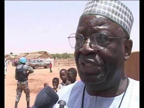 MaximsNewsNetwork: DARFUR: AU-UN's IBRAHIM GAMBARI VISITS IDPs CAMP ELFASHER (UNAMID)