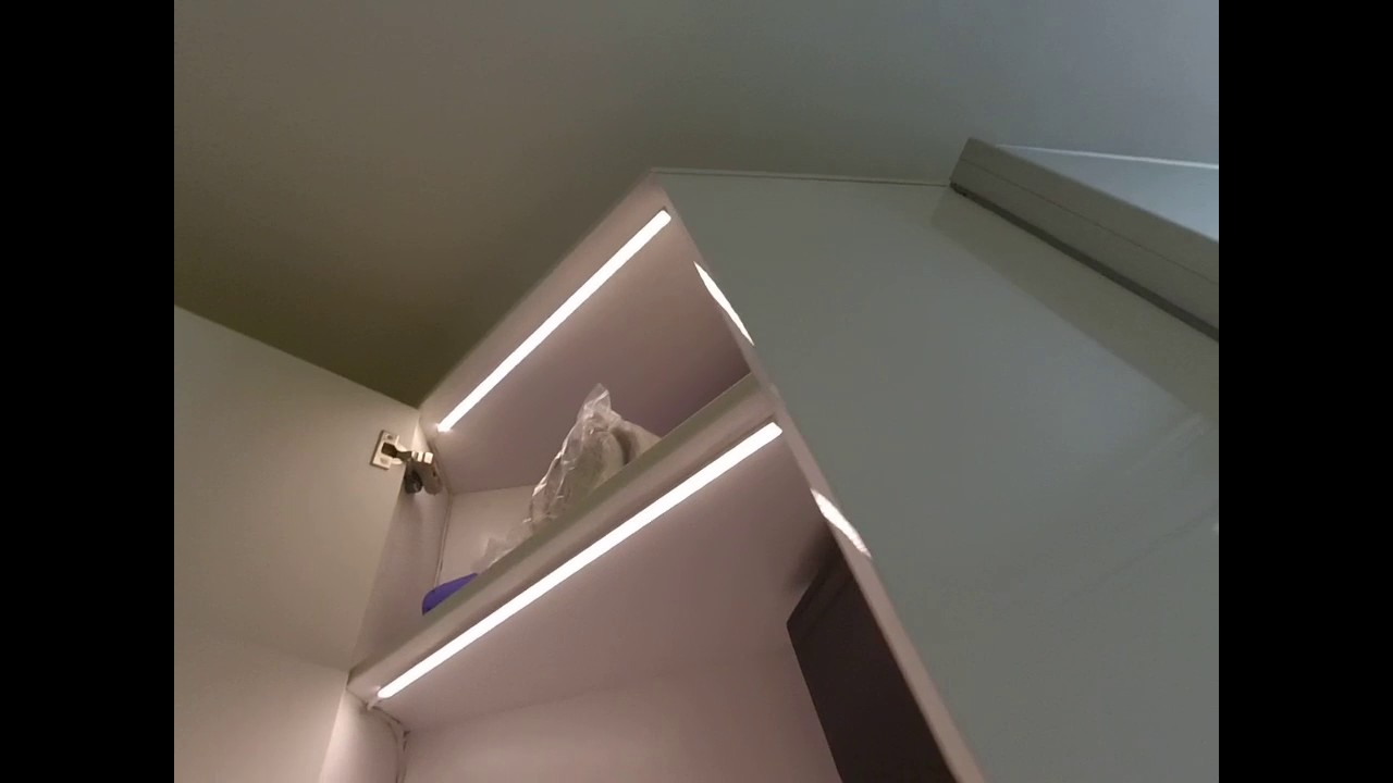 диодная лента в шкафу