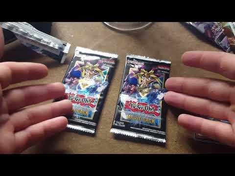 Random Yu-Gi-Oh! pack opening: hunt for blue eyes alternative! Oct 2017