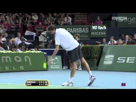 Gael Monfils shows acrobatics against Cilic